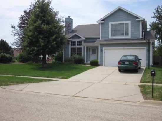 1335 Knollwood Cir, Crystal Lake, IL 60014