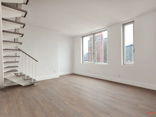 519 Borden Ave APT 11J, Long Island City, NY 11101