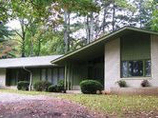 307 Pine Cliff Dr, Seneca, SC 29672