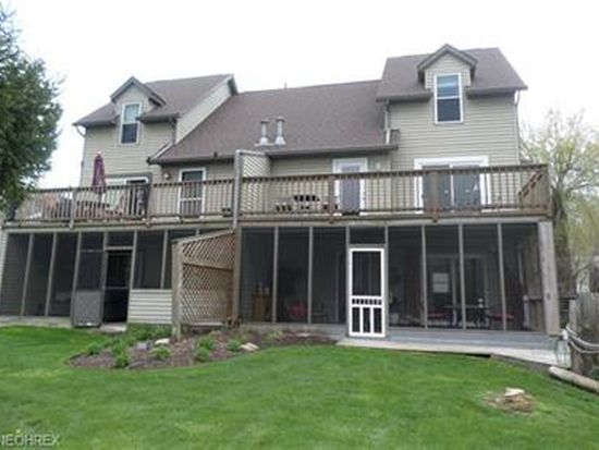 2293 Lakeside Dr, Lakemore, OH
