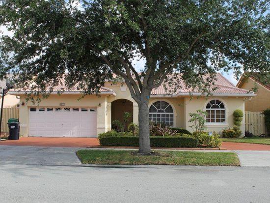 8803 NW 142nd Ln, Miami Lakes, FL 33018
