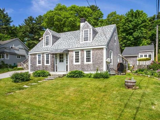 38 Old Mill Rd, Falmouth, ME 04105