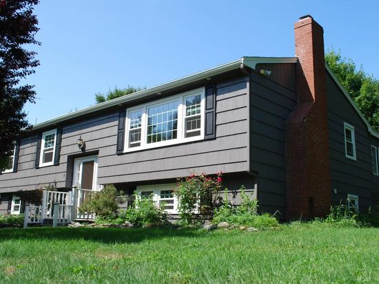 7 Pleasant View Dr, Exeter, NH 03833