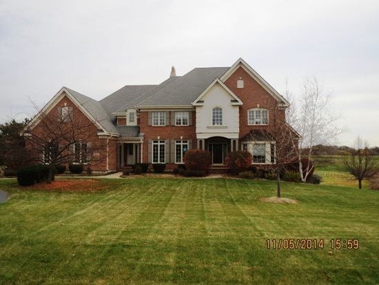 5N413 W Lakeview Cir, St Charles, IL 60175