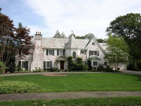 157 Edmunds Rd, Wellesley, MA 02481