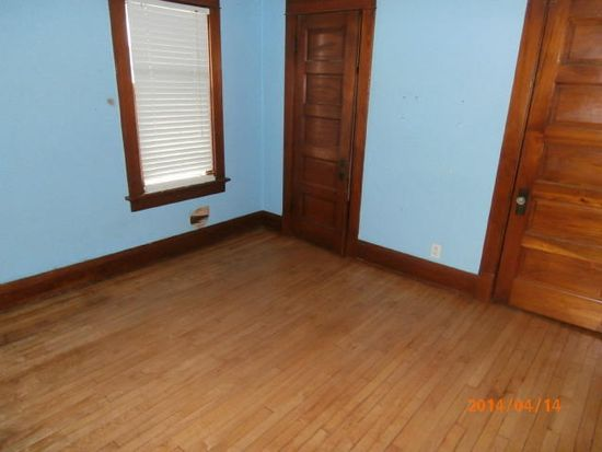 2839 S Linebarger Ter, Milwaukee, WI 53207