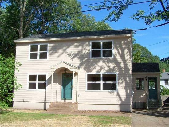 19 Stacy St, Saco, ME 04072