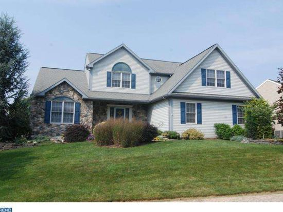 52 Connecticut Ave, Sinking Spring, PA 19608