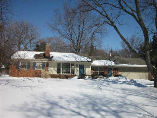 330 Elmhill Rd, Rochester Hills, MI 48306