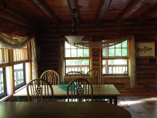 103 Hickory Mountain Ln, Hendersonville, NC 28739