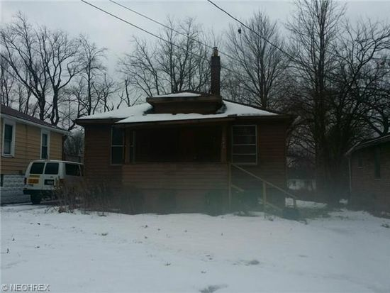1643 Pointview Ave, Youngstown, OH 44502