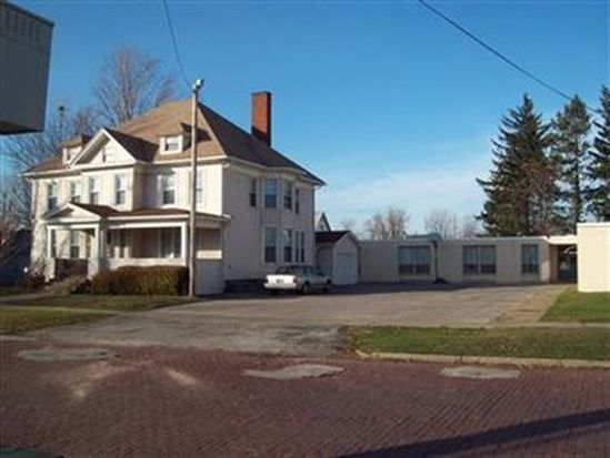 283 Buffalo St, Conneaut, OH 44030