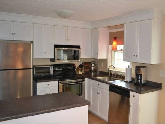 330 Winding Pond Rd, Londonderry, NH 03053