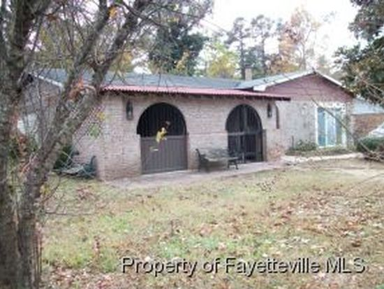 1935 Aspen Cir, Fayetteville, NC 28304