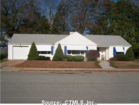 57 Westomere Ter, New London, CT 06320