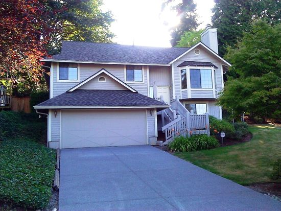 3829 165th Pl SE, Bellevue, WA 98008