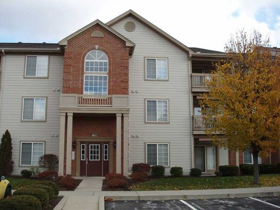 8911 Hunters Creek Dr, Indianapolis, IN 46227