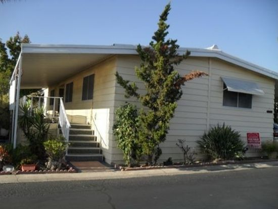 11TH St, Ramona, CA 92065