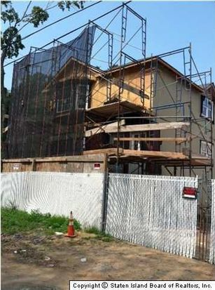 643 Huguenot Ave, Staten Island, NY 10312