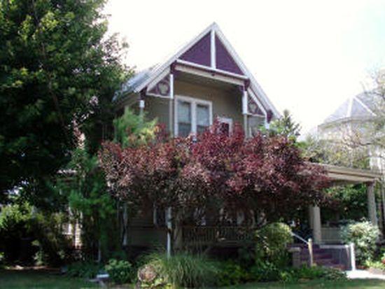 574 N Prairie St, Galesburg, IL 61401