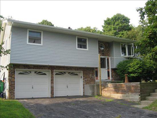 9 Cresthill Ln, Poughkeepsie, NY 12601