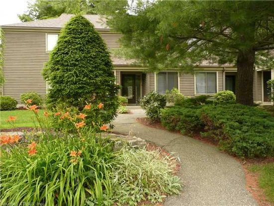 14 Riveredge Dr # 14, Winsted, CT 06098