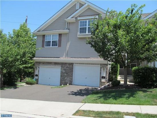 447 Fort Hill Cir, Fort Washington, PA 19034