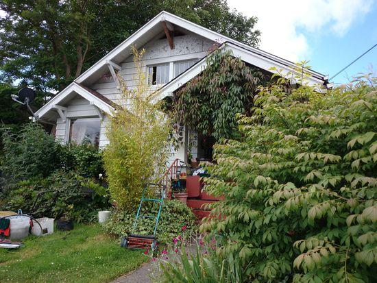 6747 27th Ave NW, Seattle, WA 98117