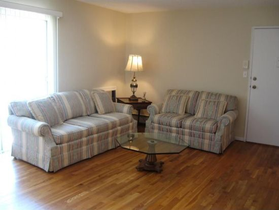 398 Hoover Ave APT 185, Bloomfield, NJ 07003