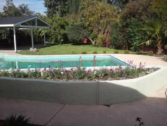 19843 Delano St, Woodland Hills, CA 91367