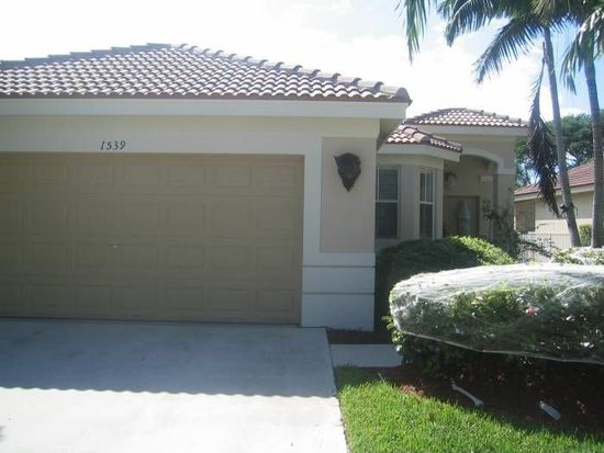 1539 Winterberry Ln, Weston, FL 33327