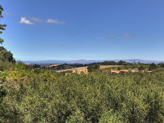 27911 Via Ventana Way, Los Altos Hills, CA 94022