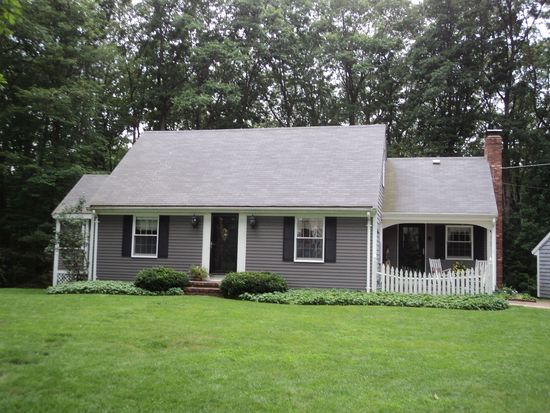 11 Cliff Cir, North Attleboro, MA 02760