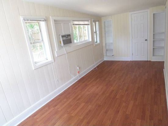 407 S Holly St, Greenville, NC 27858