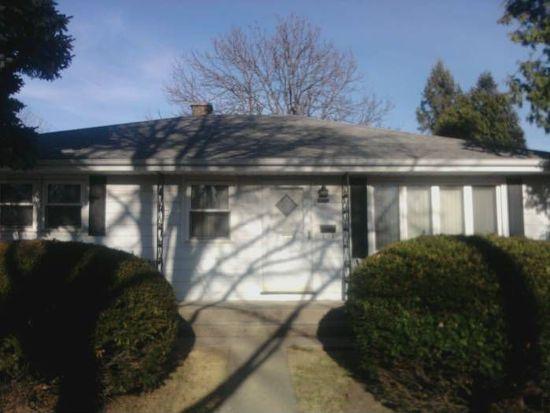 4915 Douglas Rd, Downers Grove, IL 60515