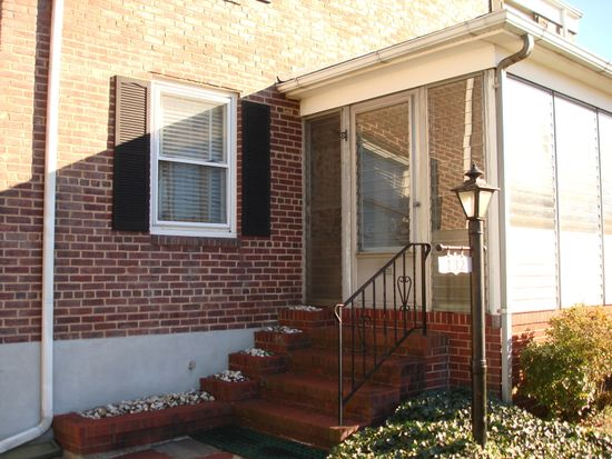 132 N 6th Ave, Manville, NJ 08835