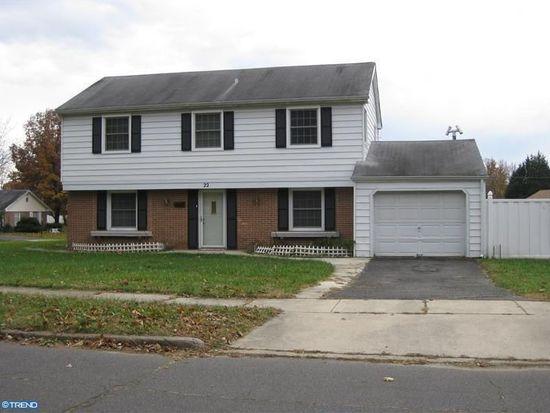 22 Burgess Ln, Willingboro, NJ 08046