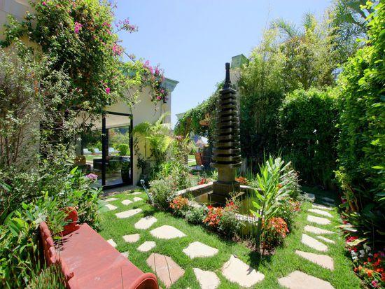 1800 Marcheeta Pl, Los Angeles, CA 90069