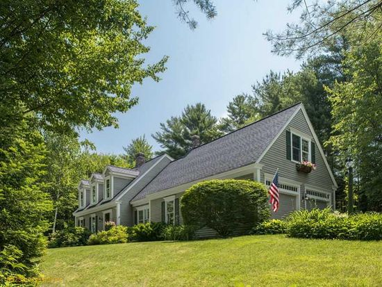 26 Sycamore Dr, Yarmouth, ME 04096