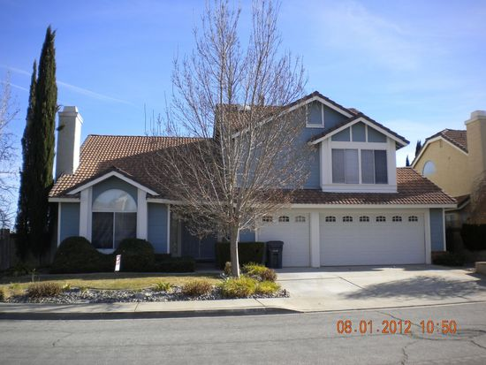 39620 Dover Dr, Palmdale, CA 93551
