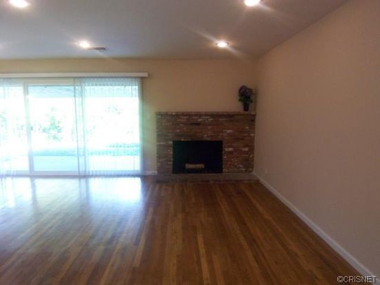 6526 Lubao Ave, Woodland Hills, CA 91367
