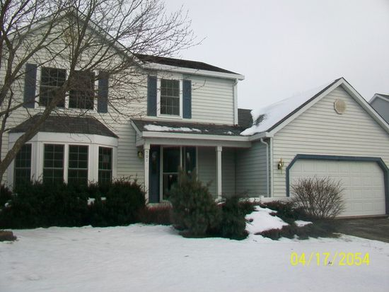 901 Montana Dr, Cary, IL 60013