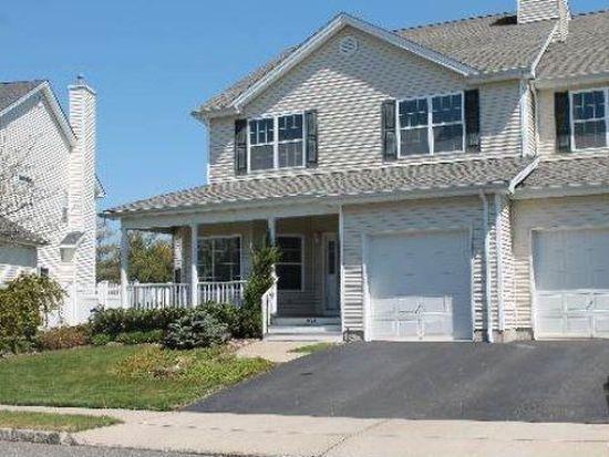 254 Rivendell Ct, Melville, NY 11747