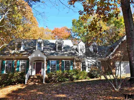 102 Canberra Ct, Cary, NC 27513