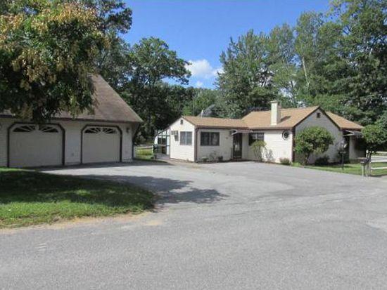26 W Shore Rd, Merrimac, MA 01860