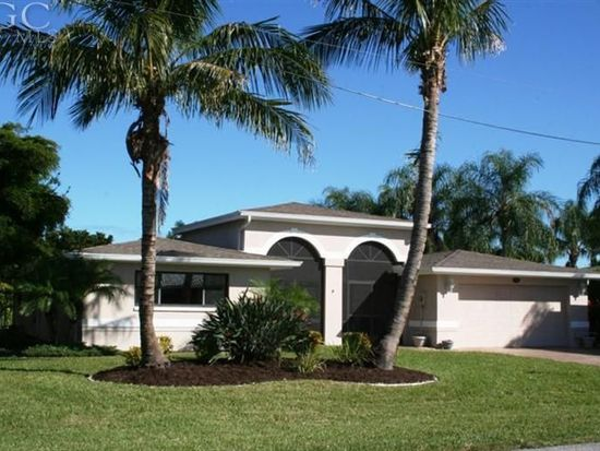 383 Parkway Ct, Fort Myers, FL 33919