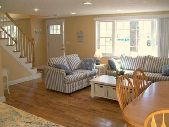 20 Maple Ter, South Dennis, MA 02660