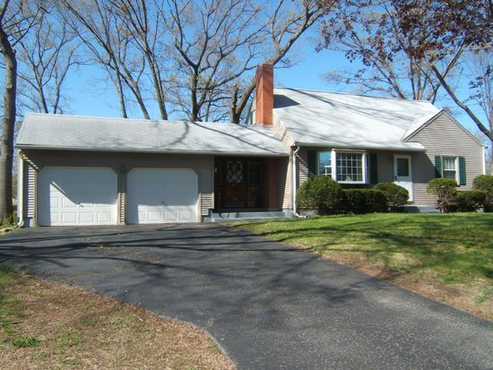 31 Play Rd, Enfield, CT 06082