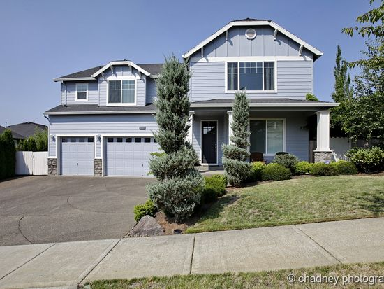 12817 SE Meadehill Ave, Happy Valley, OR 97086
