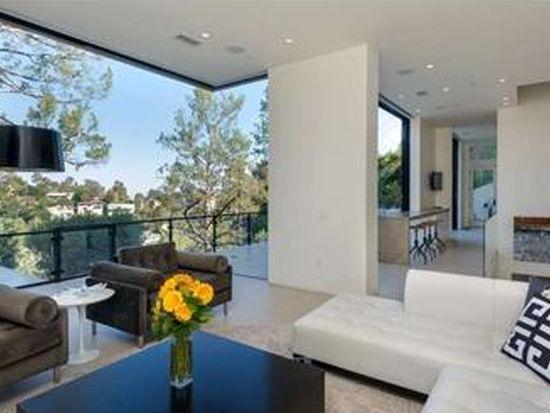 6415 Rodgerton Dr, Los Angeles, CA 90068